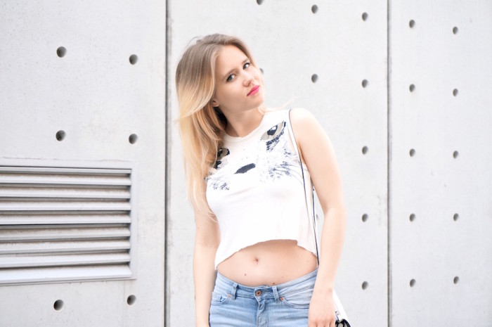 Outfit_Fashion_Ootd_trend_Frühling_Bauchfrei_Croptop_Sophiehearts1