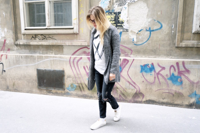 Fashion_Outfit_trend_Brille_Zanerobe_RippedJeans_Jeans_Sophiehearts1