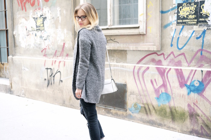 Fashion_Outfit_trend_Brille_Zanerobe_RippedJeans_Jeans_Sophiehearts2