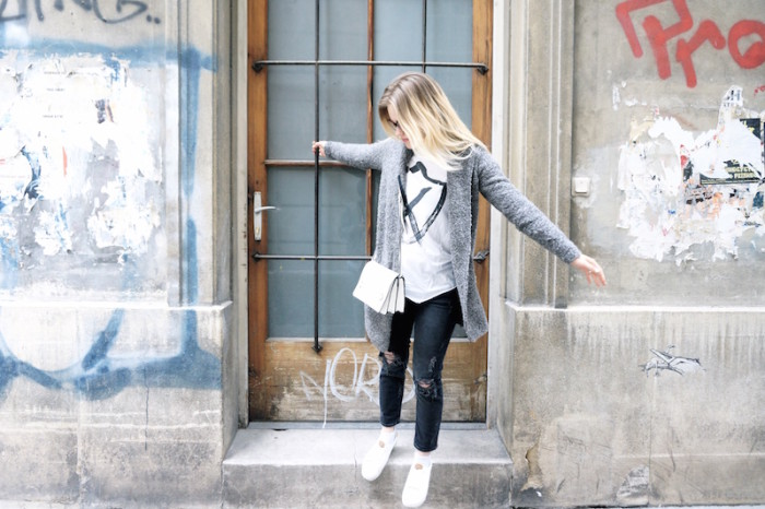Fashion_Outfit_trend_Brille_Zanerobe_RippedJeans_Jeans_Sophiehearts8