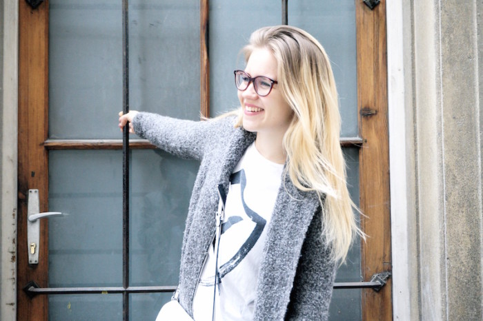 Fashion_Outfit_trend_Brille_Zanerobe_RippedJeans_Jeans_Sophiehearts9