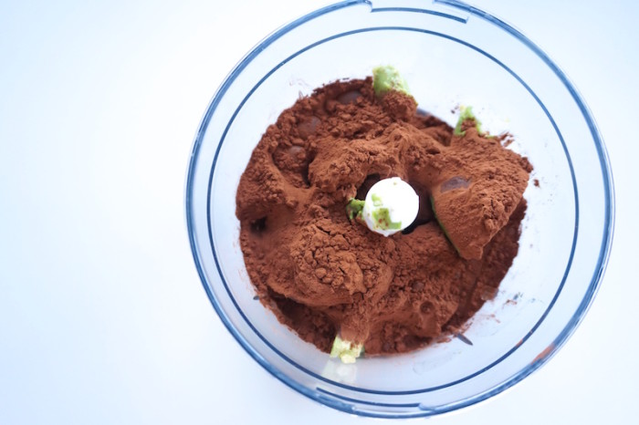 Food_Dessert_Rezept_Healthy_CleanEating_Avocado_Schokomousse_Mousse_Sophiehearts1