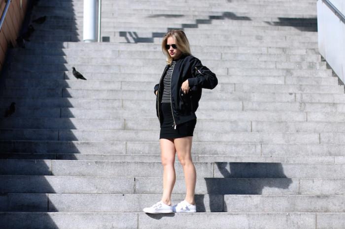 Outfit_Schwarz_Bomberjacke_Bomber_Stripes_Streifen_Sophiehearts1
