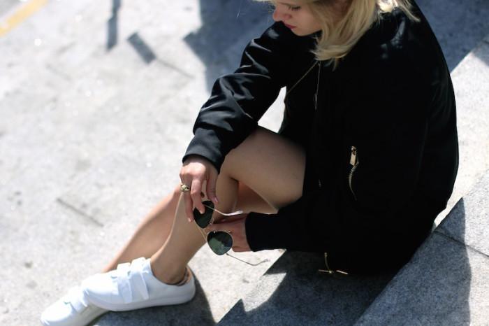 Outfit_Schwarz_Bomberjacke_Bomber_Stripes_Streifen_Sophiehearts10