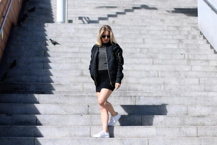 Outfit_Schwarz_Bomberjacke_Bomber_Stripes_Streifen_Sophiehearts2