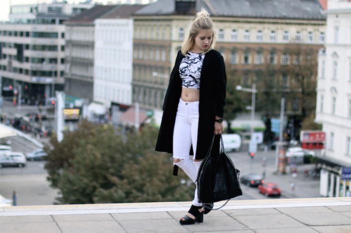 Outfit_CropTop_BlackandWhite_Sophiehearts (2 von 10)