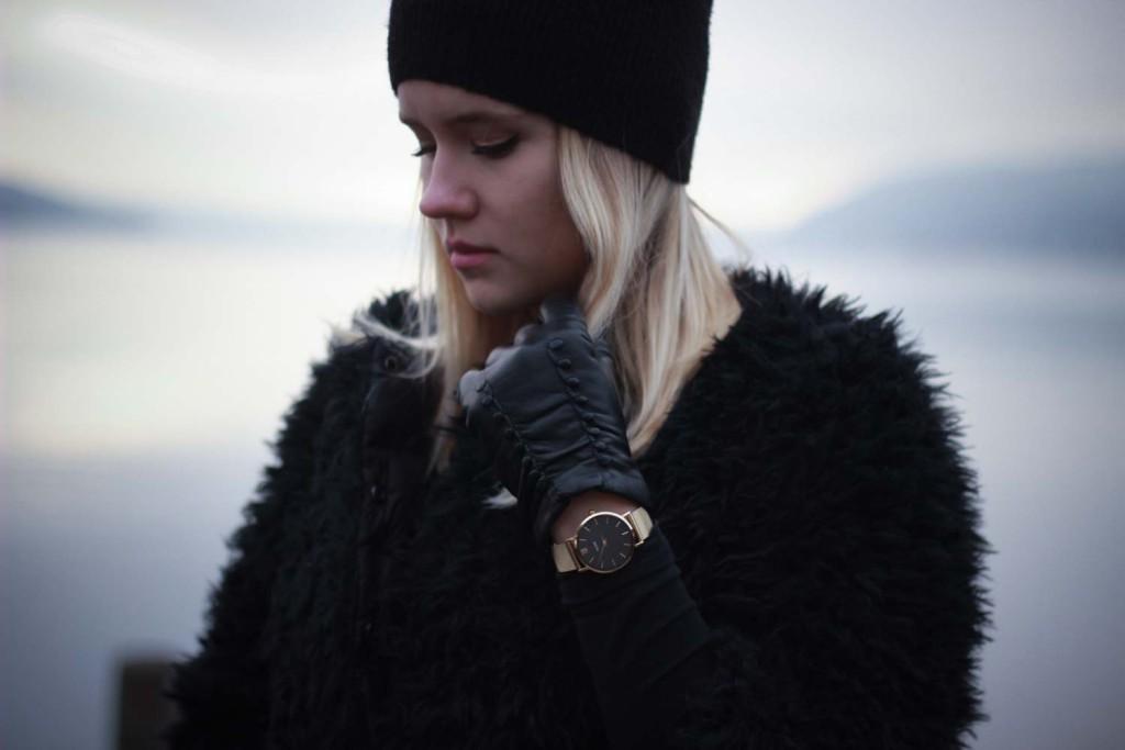 All Black Everything Schwarze Colmar Jacke Tezenis Rita Ora Collection Cluse Watch (13 von 13)