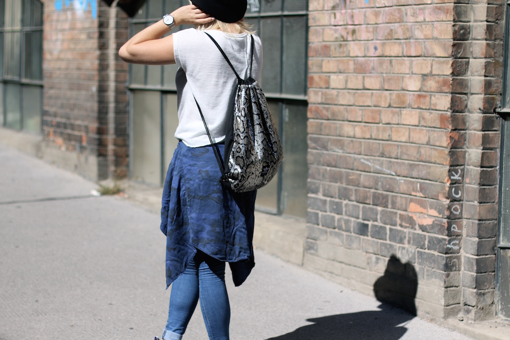 Fashion_Outfit_City_Hut_BlueJeans_AdidasTurbular_Sophiehearts4