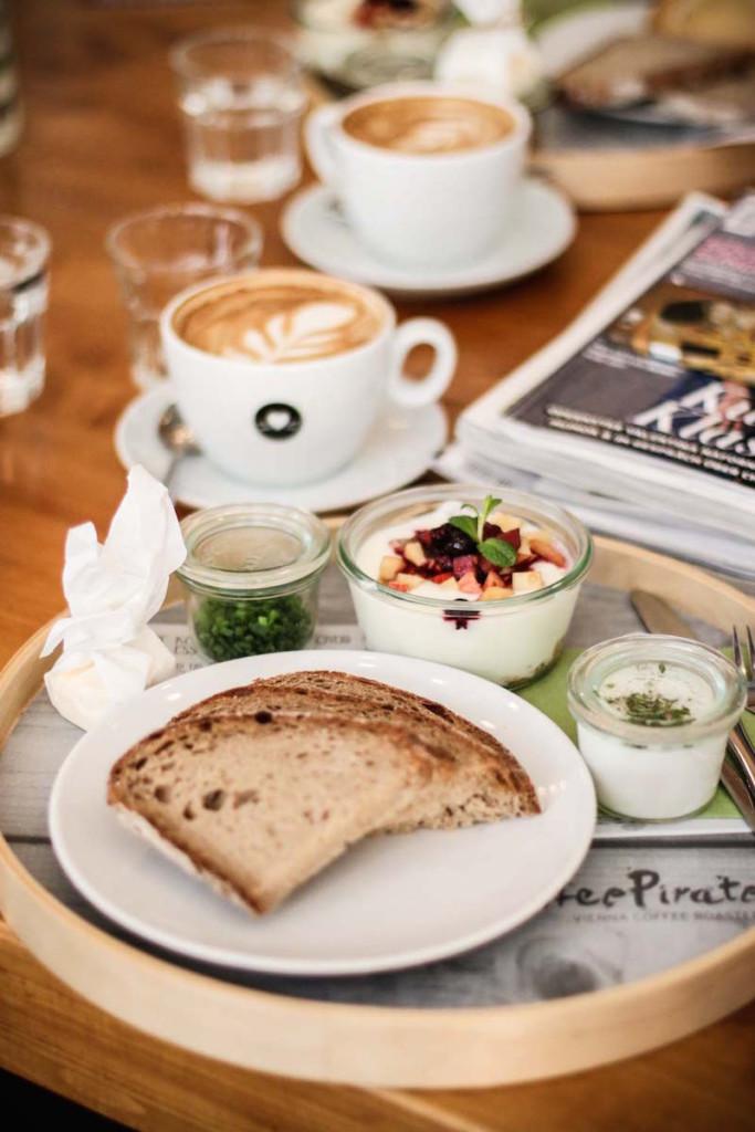 Breakfast_Fruehstueck_Rezept_Healthy_Recipe_CoffeePirates_Wien_Sophiehearts_Fashionblog_Foodblog2