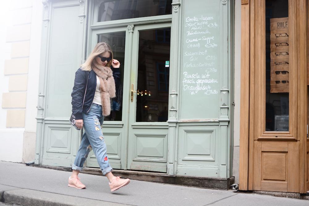 Outfit_Fashion_ReebokClassicSpirit_Sneaker_Fashionblog_Foodblog_Wien_Sophiehearts15