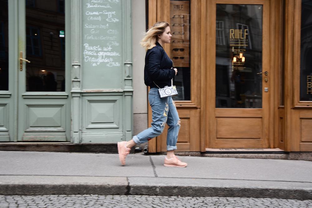 Outfit_Fashion_ReebokClassicSpirit_Sneaker_Fashionblog_Foodblog_Wien_Sophiehearts6