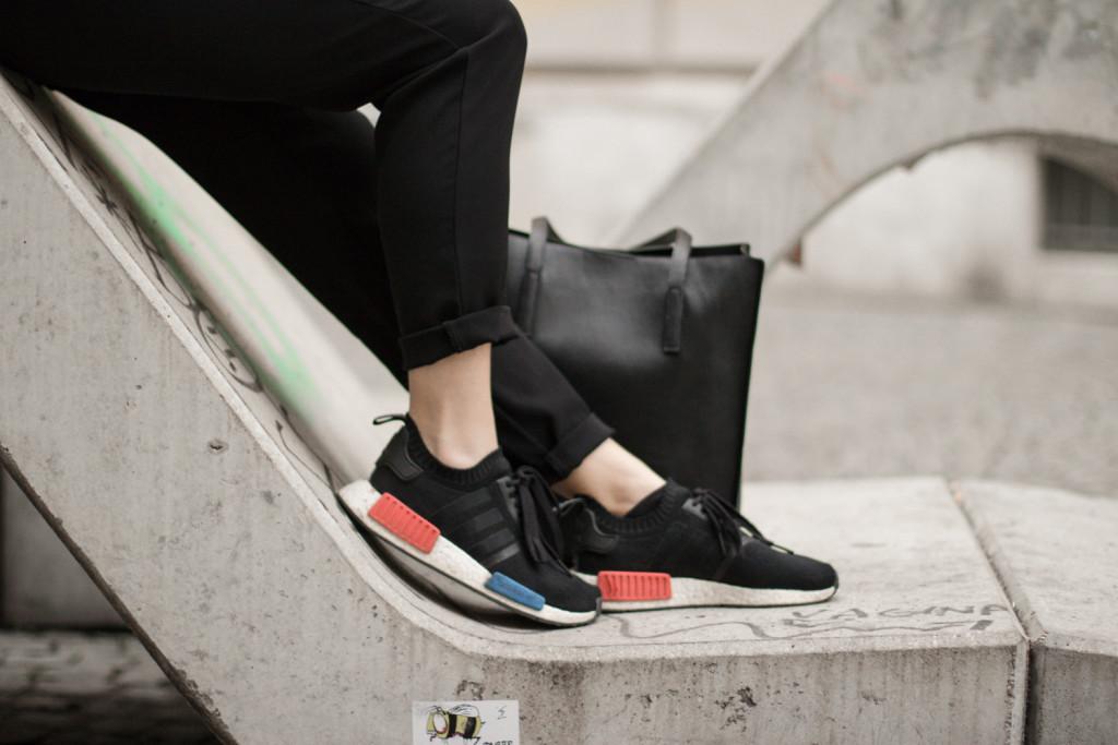 perfekte-jumpsuit-schwarz-hm-fashionblog-foodblog-wien-sophiehearts (1 von 1)