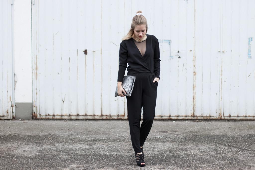 perfekte-jumpsuit-schwarz-hm-fashionblog-foodblog-wien-sophiehearts (1 von 9)