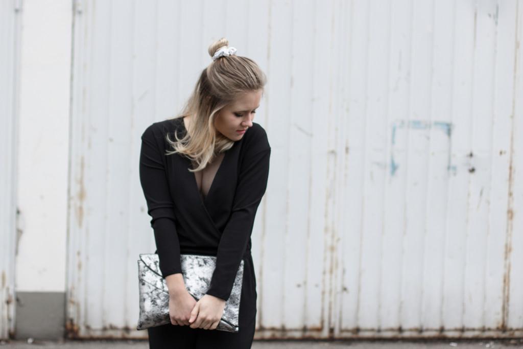 perfekte-jumpsuit-schwarz-hm-fashionblog-foodblog-wien-sophiehearts (4 von 9)