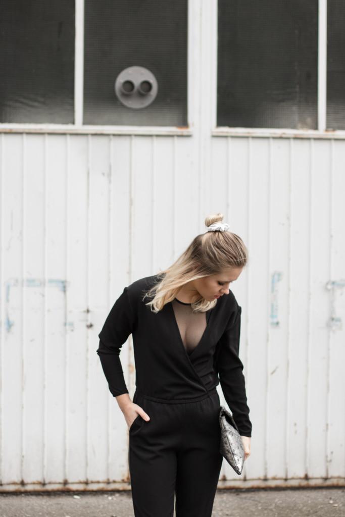 perfekte-jumpsuit-schwarz-hm-fashionblog-foodblog-wien-sophiehearts (7 von 9)