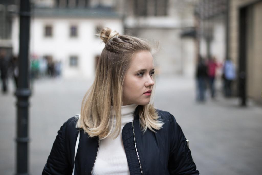 Bomberjacke und Jeansrock Sophiehearts Fashionblog Foodblog Wien Vienna (10 von 14)