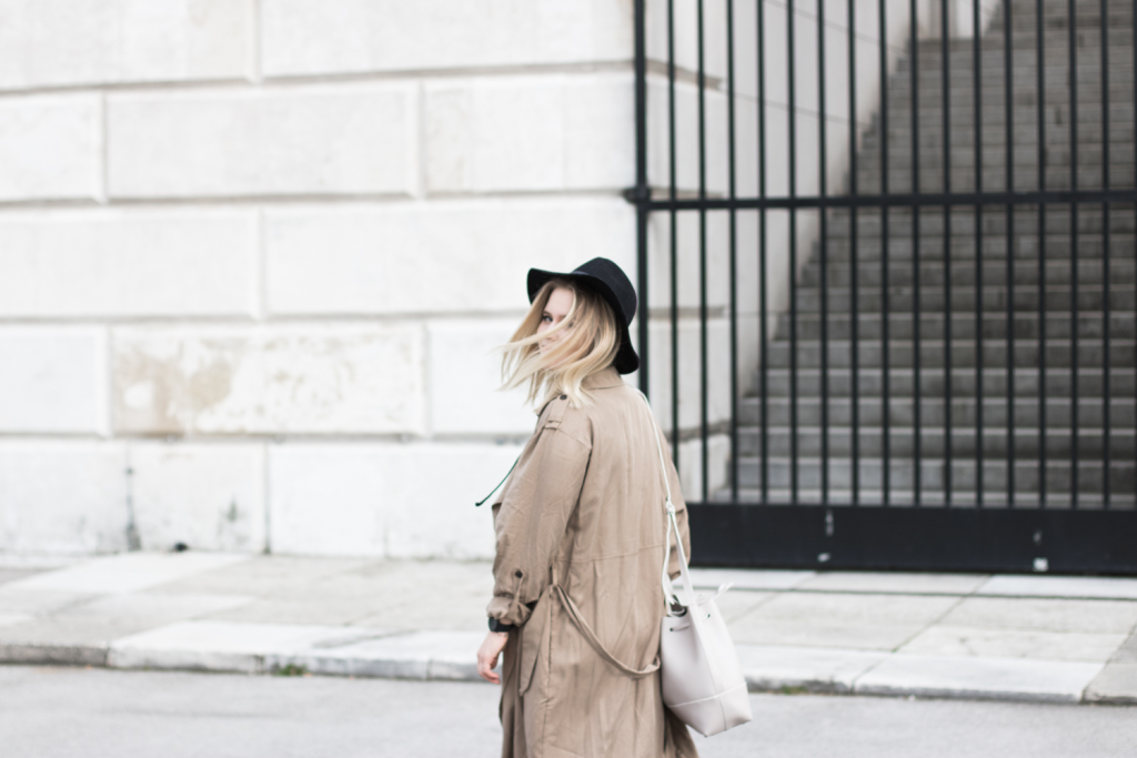 Der-perfekte-Trenchcoat-Fruehling-Outfit-Outfitpost-Fashionblog-Foodblog-Wien-Sophiehearts11