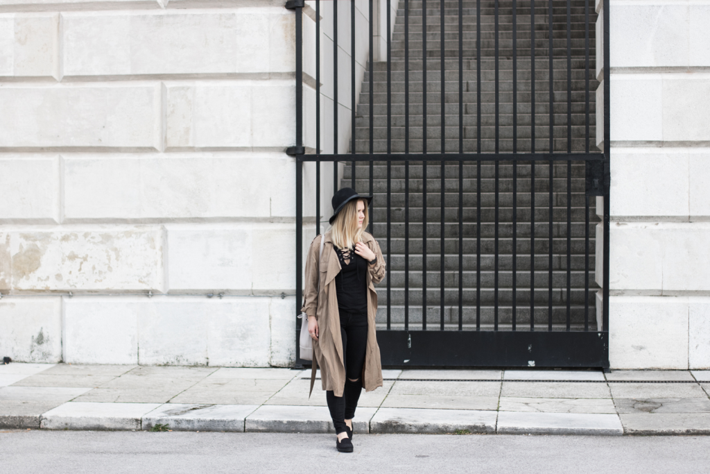 Der-perfekte-Trenchcoat-Fruehling-Outfit-Outfitpost-Fashionblog-Foodblog-Wien-Sophiehearts2