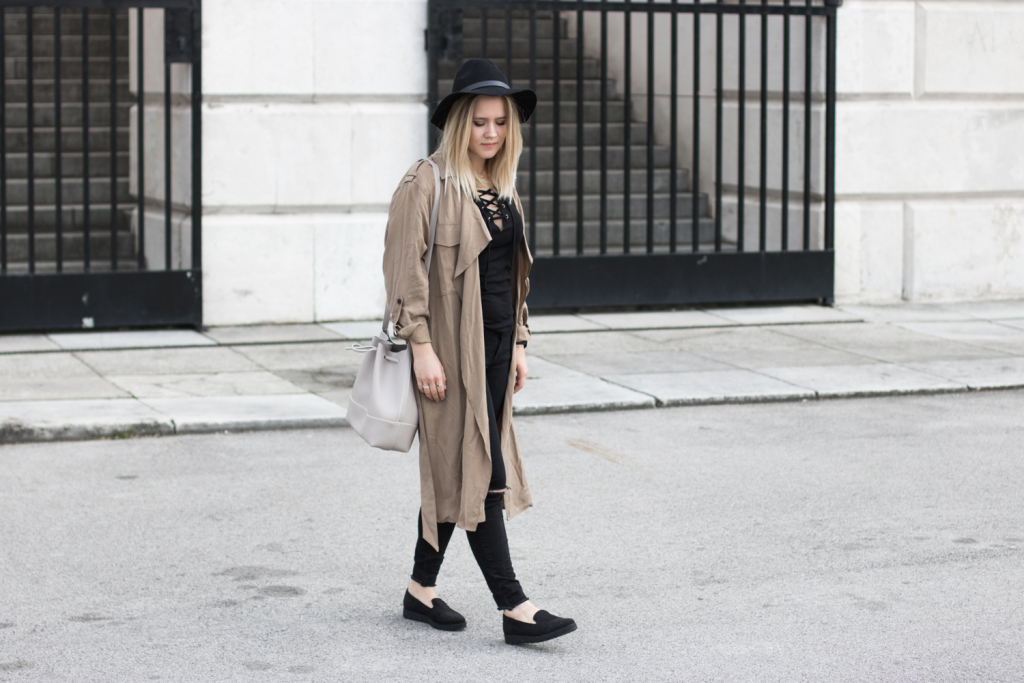 Der-perfekte-Trenchcoat-Fruehling-Outfit-Outfitpost-Fashionblog-Foodblog-Wien-Sophiehearts6