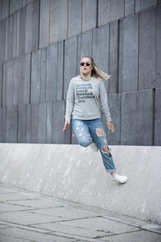Friends Jumper Juniqe Fashionblog Foodblog Wien Vienna Sophiehearts (11 von 13)