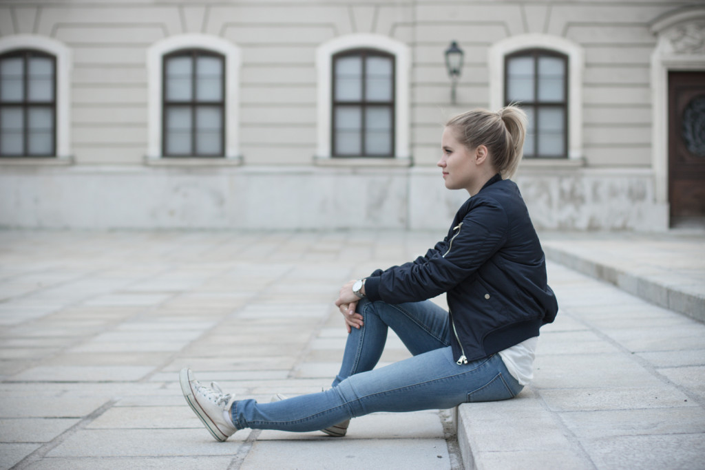 Musthave-Bomberjacke-Outfit-Outfitpost-Fashion-Fashionpost-Fashionblog-Foodblog-Wien-Vienna-Sophiehearts10