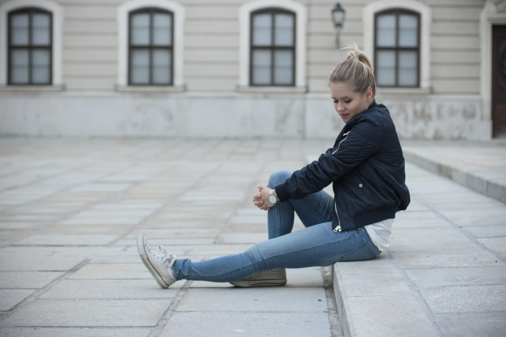 Musthave-Bomberjacke-Outfit-Outfitpost-Fashion-Fashionpost-Fashionblog-Foodblog-Wien-Vienna-Sophiehearts11