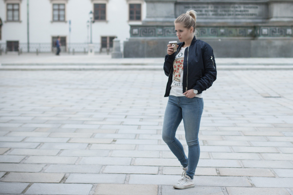 Musthave-Bomberjacke-Outfit-Outfitpost-Fashion-Fashionpost-Fashionblog-Foodblog-Wien-Vienna-Sophiehearts4