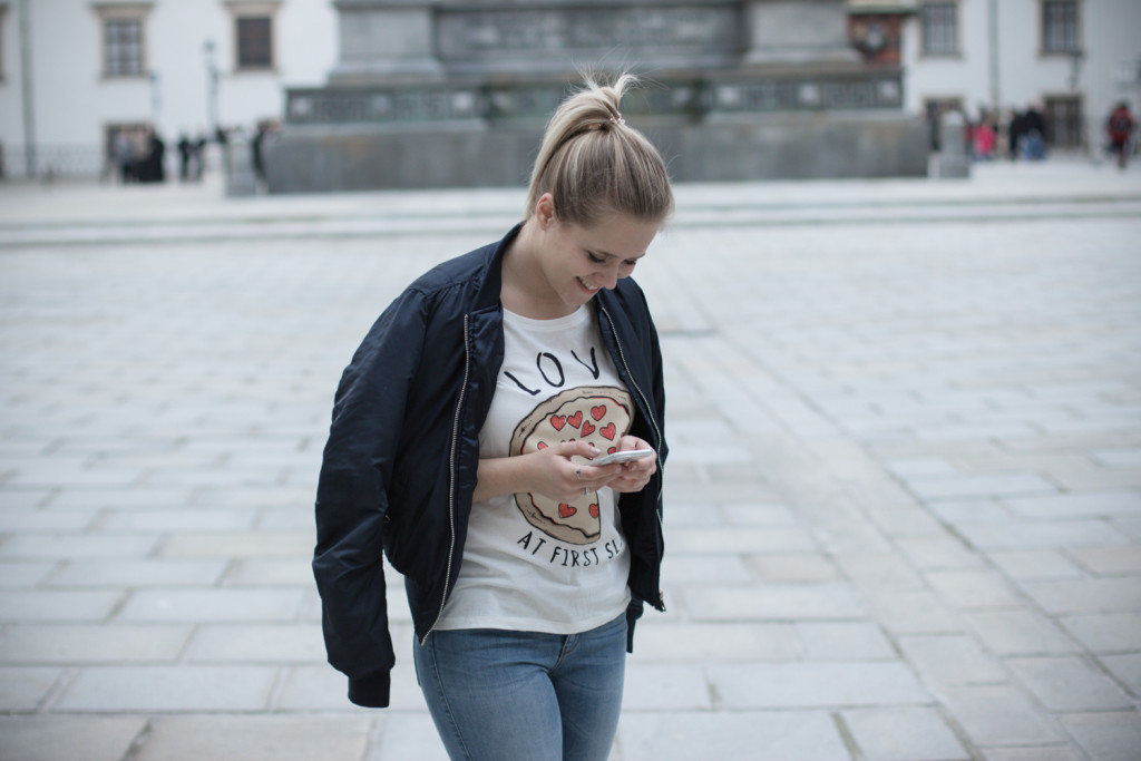 Musthave-Bomberjacke-Outfit-Outfitpost-Fashion-Fashionpost-Fashionblog-Foodblog-Wien-Vienna-Sophiehearts5