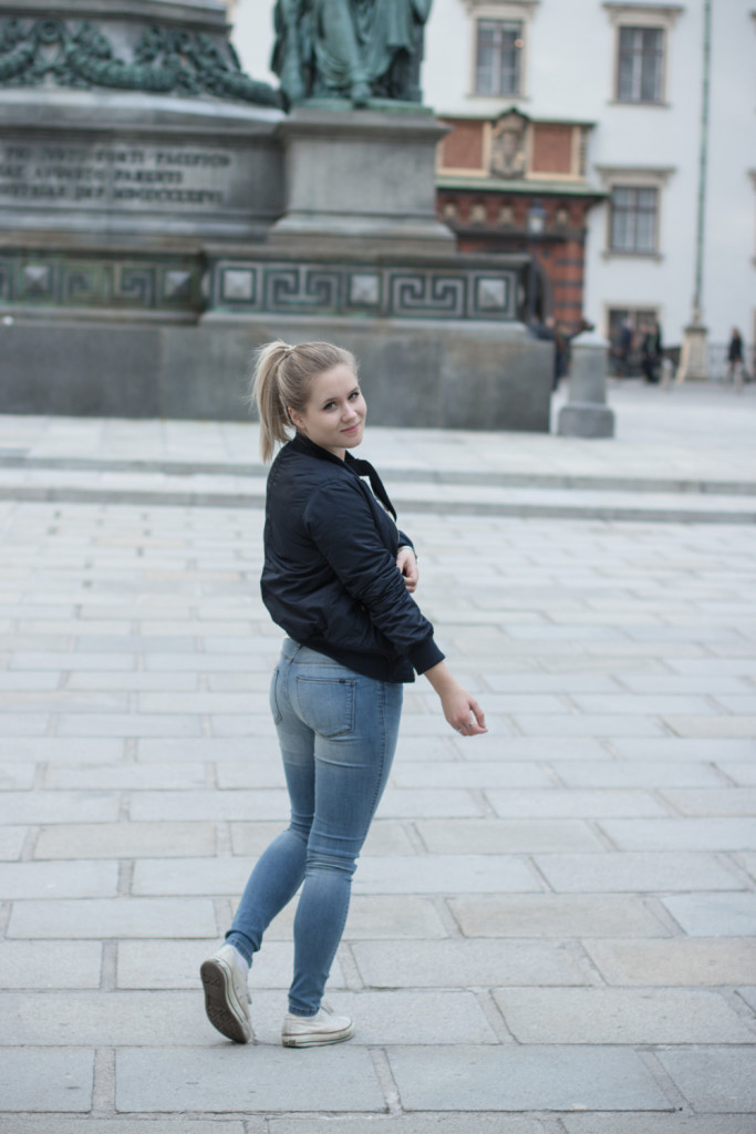 Musthave-Bomberjacke-Outfit-Outfitpost-Fashion-Fashionpost-Fashionblog-Foodblog-Wien-Vienna-Sophiehearts8