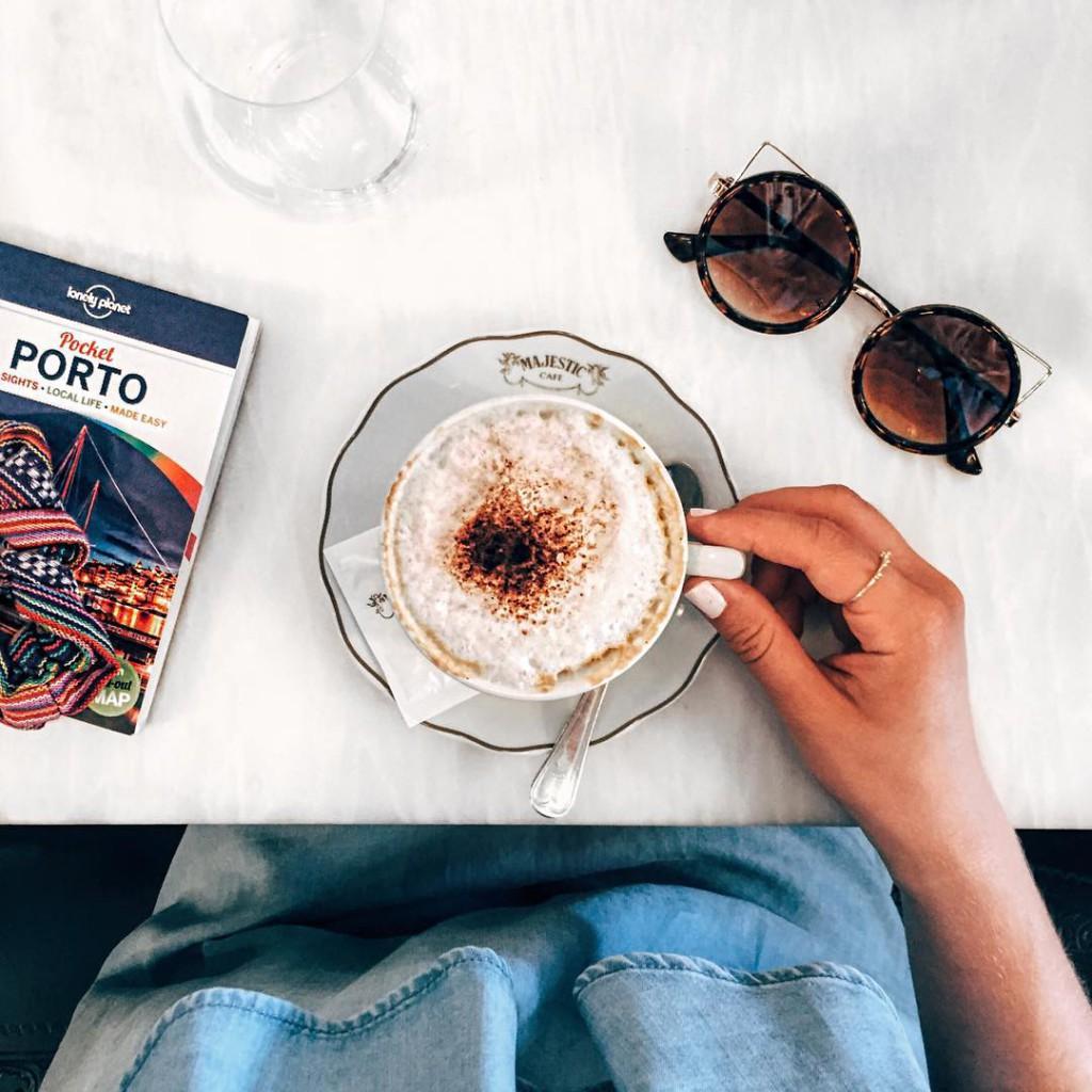 coffee please ☕️ guten morgen ihr lieben ☀️ ich liebe sommermorgen, wenn's draußen schon hell ist steh' ich einfach viel lieber auf wem geht's noch so?
