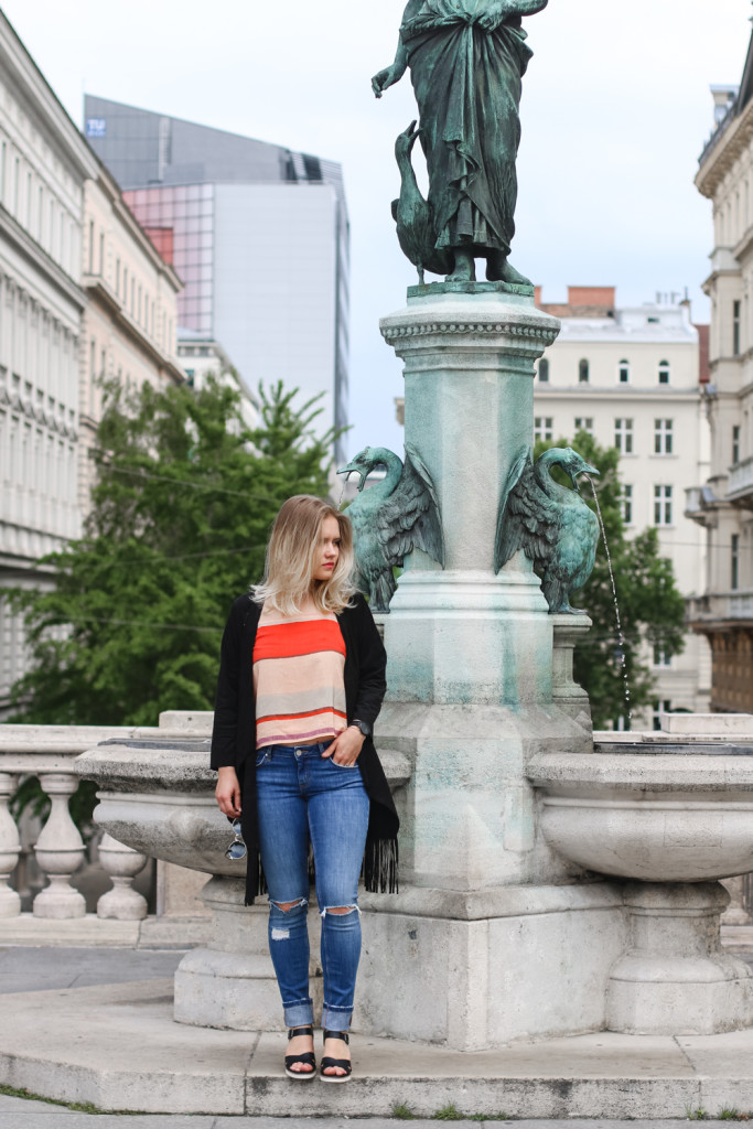 Outfit Ripped Jeans Fashionblog Foodblog Wien Vienna Sophiehearts (1 von 15)