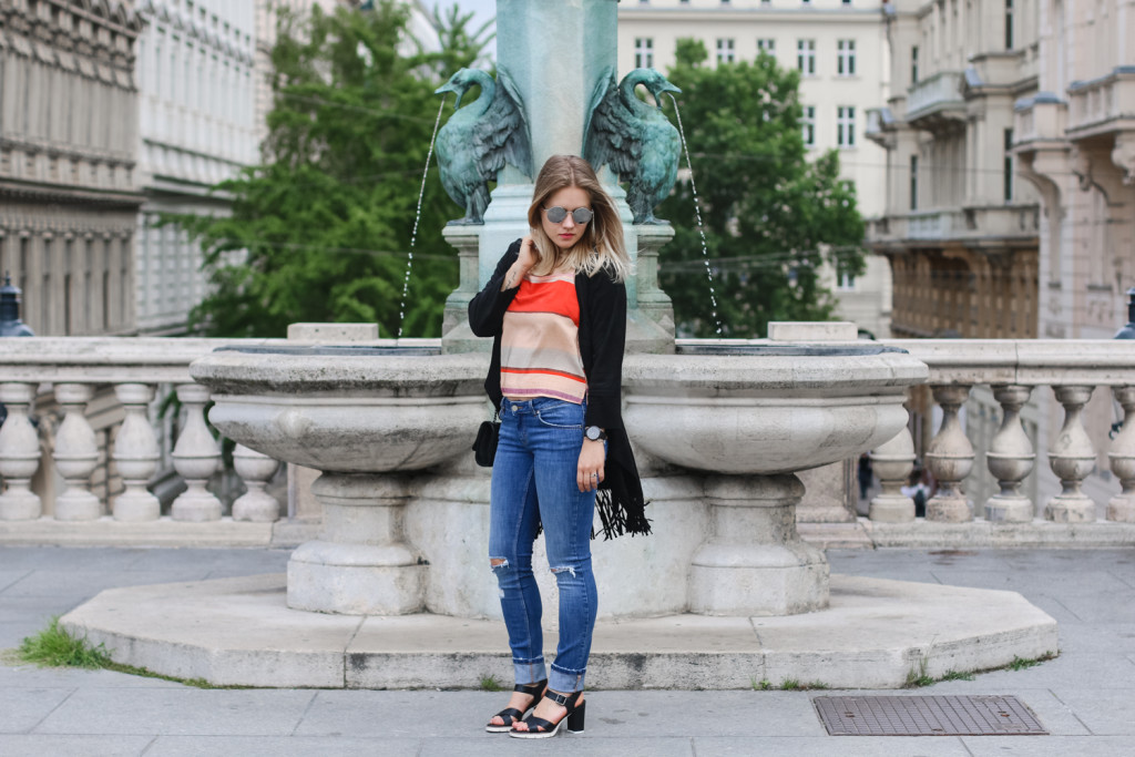 Outfit Ripped Jeans Fashionblog Foodblog Wien Vienna Sophiehearts (6 von 15)