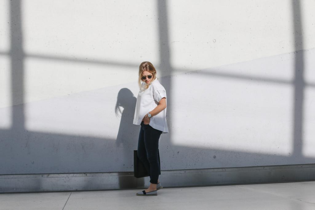 outfit ootd weisse bluse schwarze hose espandrillos sophiehearts fashionblog foodblog wien vienna (3 von 14)