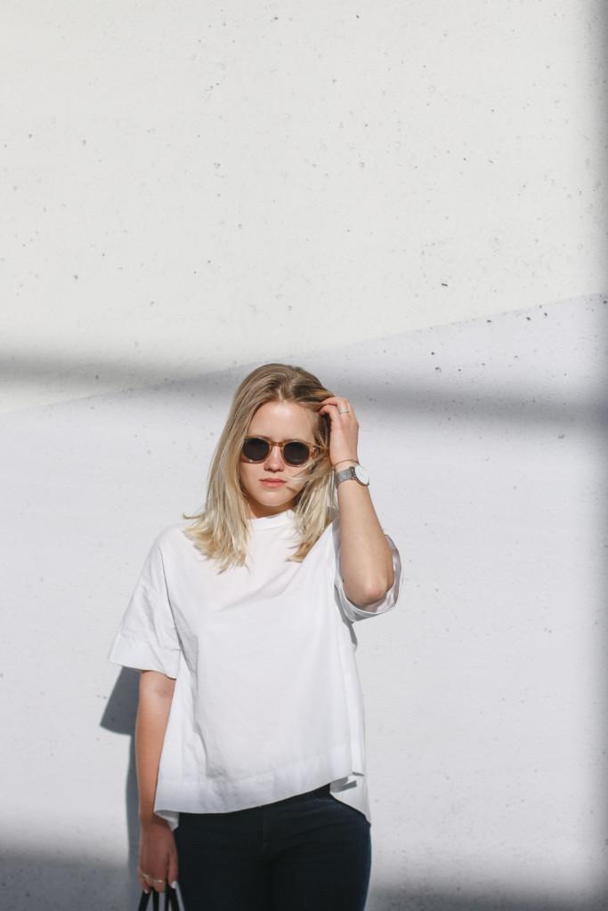 outfit ootd weisse bluse schwarze hose espandrillos sophiehearts fashionblog foodblog wien vienna (9 von 14)
