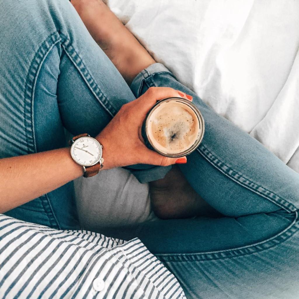 guten morgen ihr lieben no morning without my @nespresso coffee ☕️ wusstet ihr schon, dass @nespresso nächsten donnerstag und freitag zur #icedcoffee verkostung in die nespresso boutique in wien lädt? der barista wird uns dort mit leckeren #nespressoonice rezepten verwöhnen wer wird noch da sein? ich hab' euch die veranstaltung für heute in der BIO verlinkt