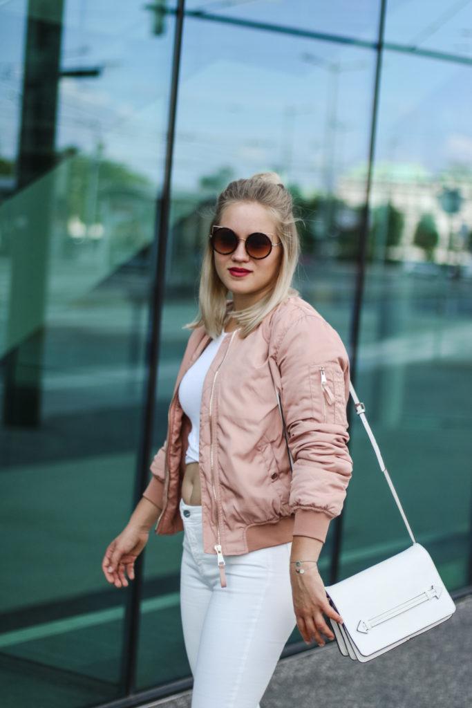 Rosa Bomberjacke Fashionblog Foodblog Lifestyleblog Sophiehearts Vienna Wien (6 von 16)