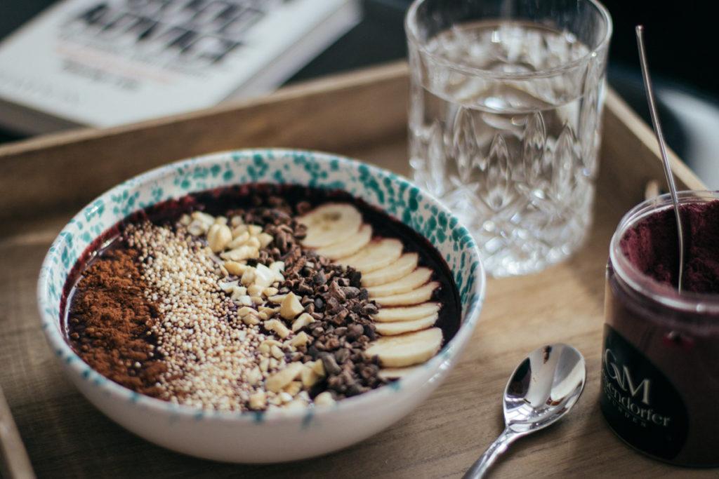 toppings-acai-bowl-breakfast-fruehstueck-foodblog-sophiehearts-wien-vienna-8-von-10