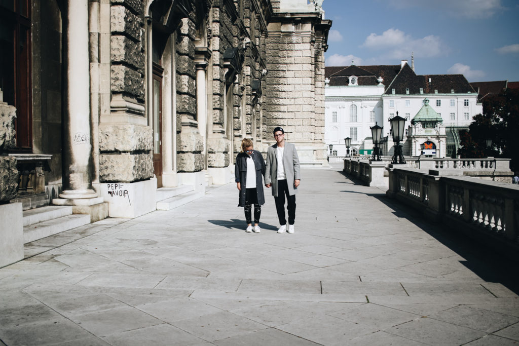 couple-post-sophiehearts-meanwhileinawesometow-fashionblog-wien-vienna-1-von-8