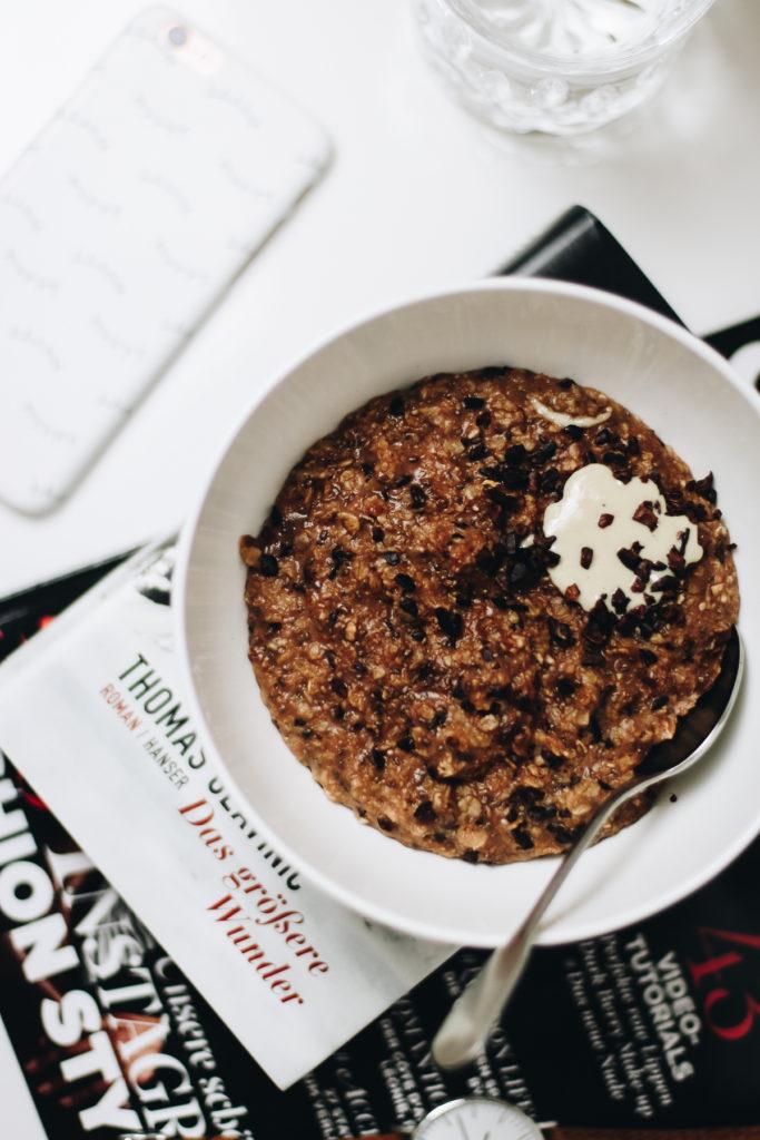 schokoporridge-vegan-clean-food-foodblog-breakfast-fruehstueck-sophiehearts-wien-vienna-4-von-6